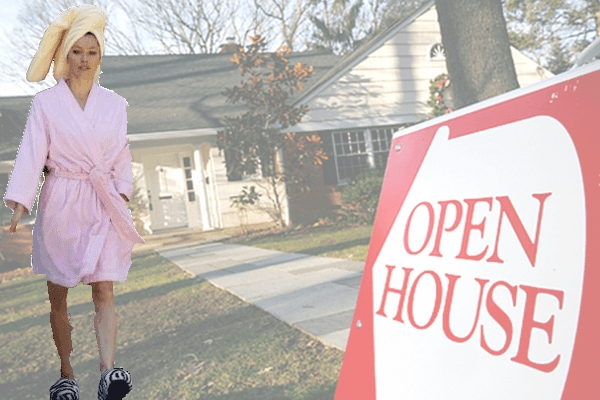 Open House Visitor Arrives In Nothing But Bathrobe And Slippers