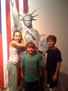 Statue Of Liberty Kids 8-12-2009